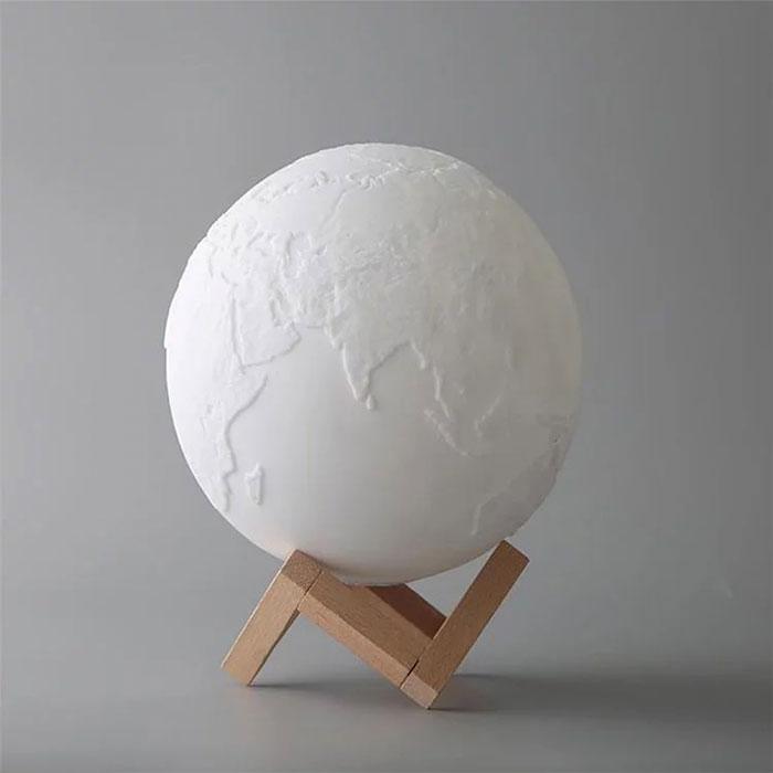 觸控三色地球感應燈