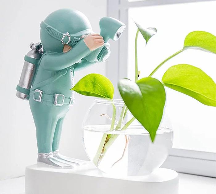 太空人潛水員造型花瓶