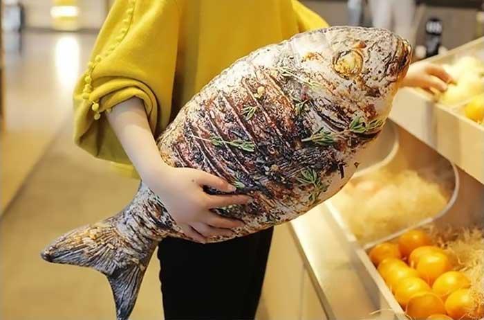 狠逼真烤魚海鮮食物抱枕