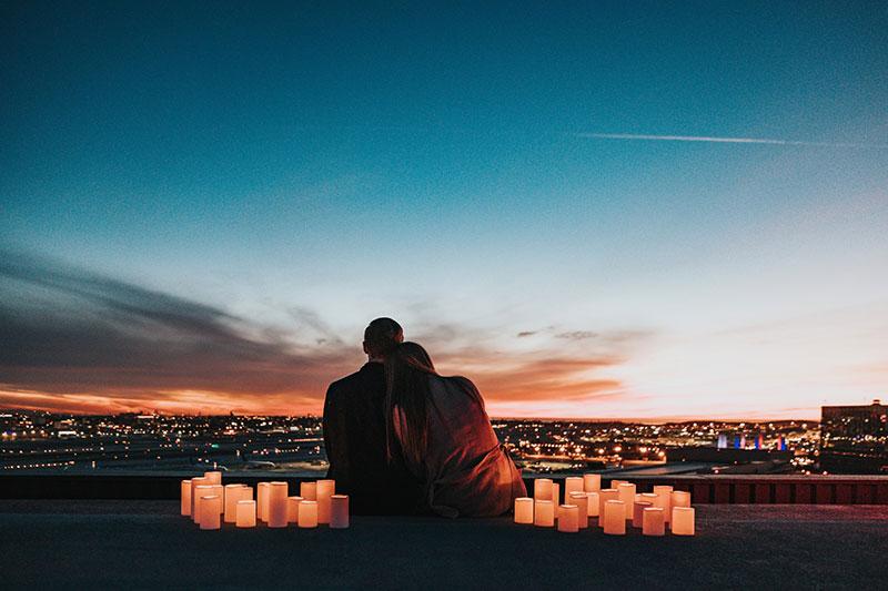 思考如何營造浪漫氣氛